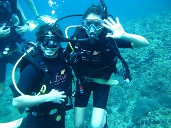 Jérome et moi pendant ma première plongée
