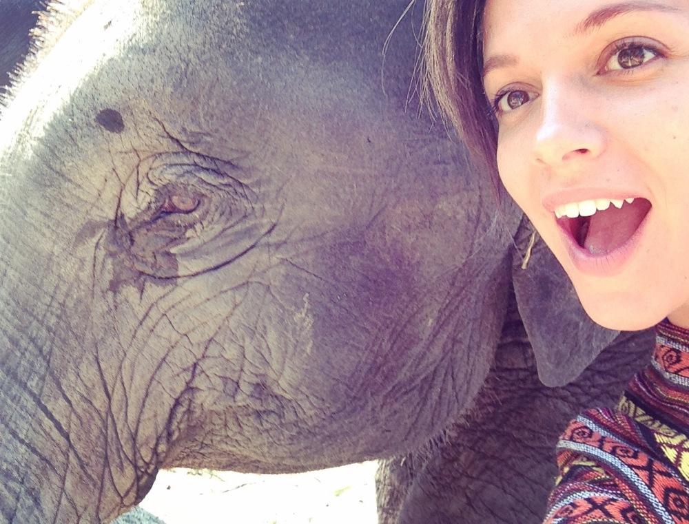 Éloïse et un éléphant - Selfie