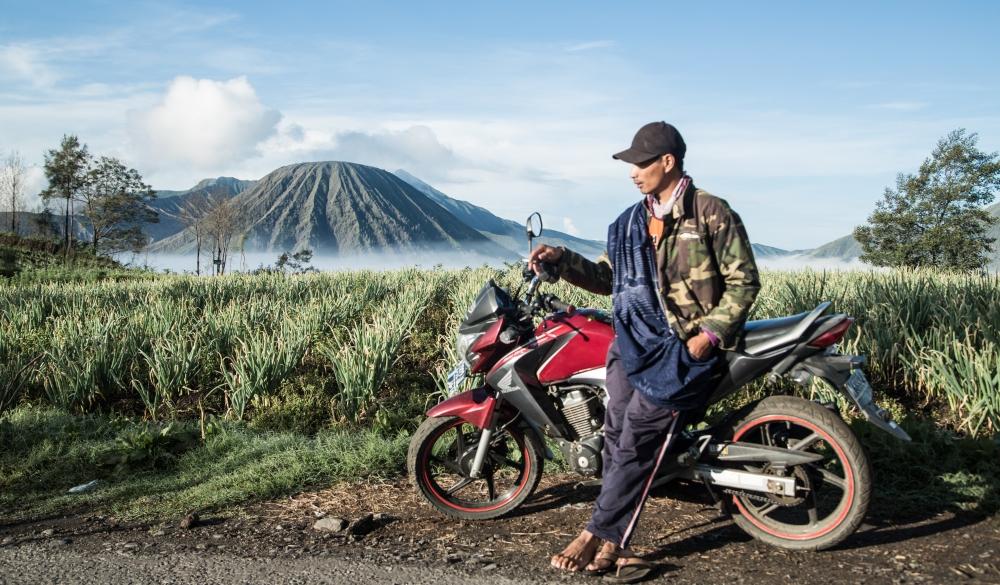 Javanais et sa moto